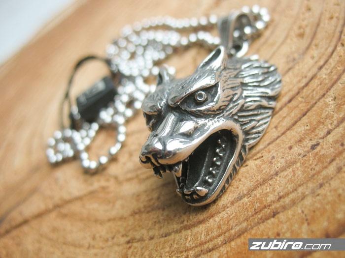 wilk zawieszka męska