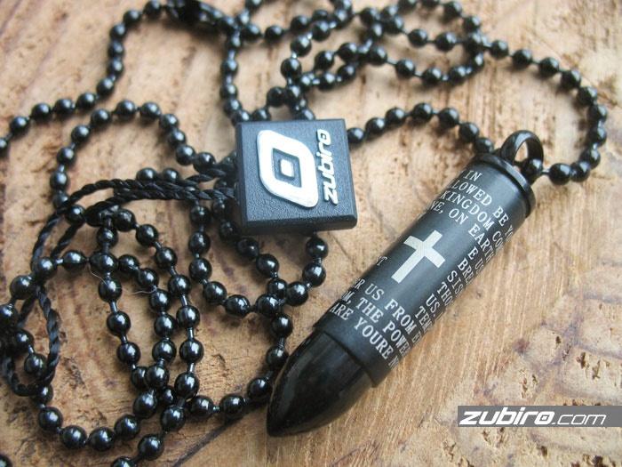 Nabój czarny skrytka z modlitwą