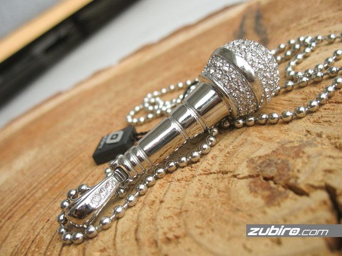 biżuteria dla piosenkarzy