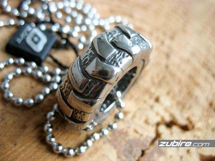 naszyjnik dla motocyklisty
