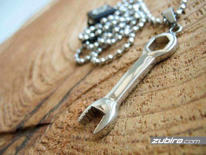 Zawieszki męskie klucz płasko-oczkowy