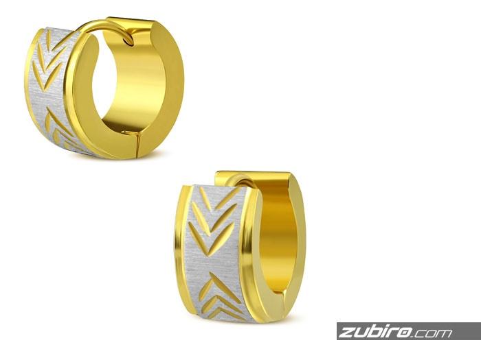 Złote kolczyki ze wzorem