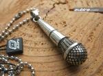 mikrofon naszyjnik dla piosenkarza