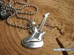 męskie naszyjniki dla gitarzysty