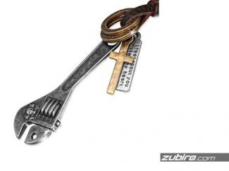 Naszyjnik klucz francuski