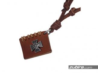 Naszyjnik księga z krzyżem