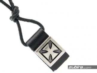 Naszyjnik z krzyżem rycerskim