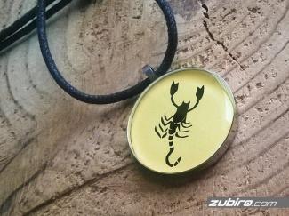 Zawieszka skorpion